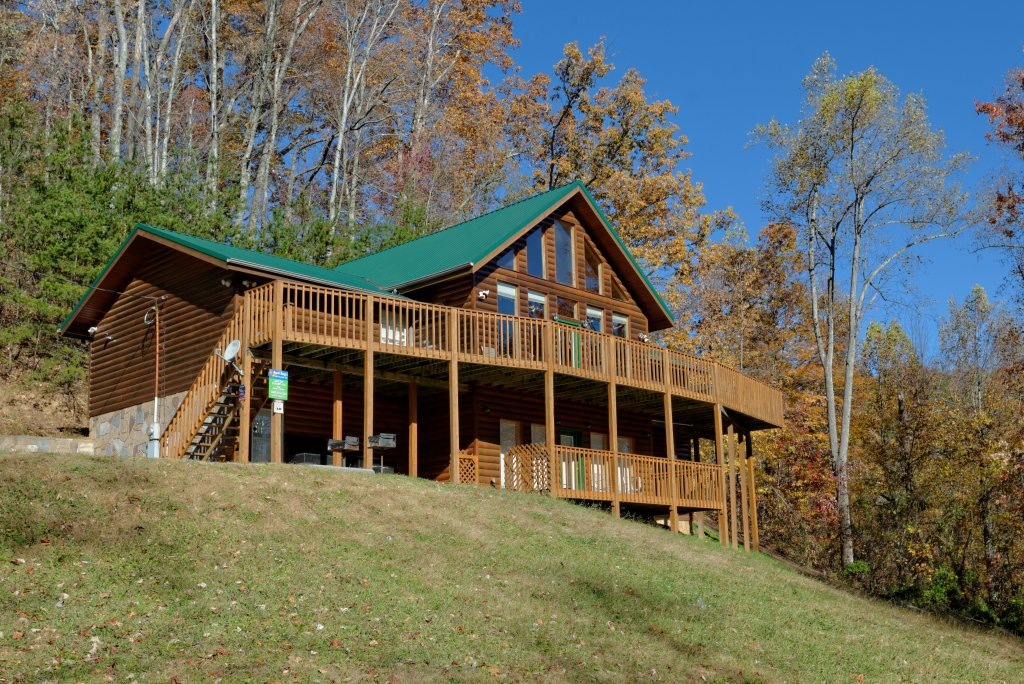Photo of a Gatlinburg Cabin named Life Of Luxury #12 - This is the fifty-second photo in the set.