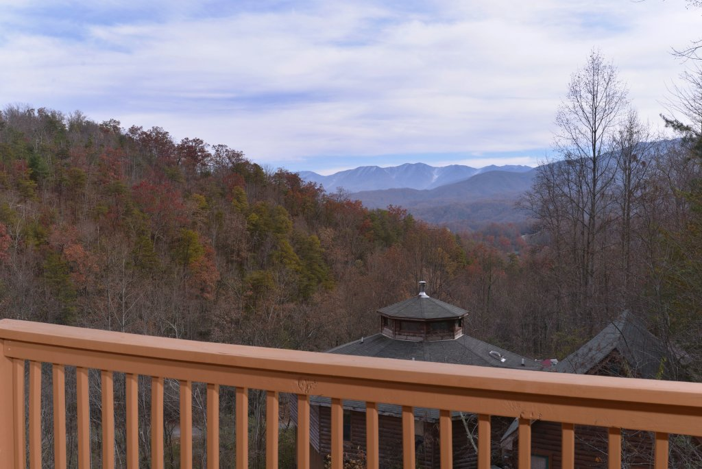 Photo of a Gatlinburg Cabin named Redneck Ritz #724 - This is the forty-ninth photo in the set.