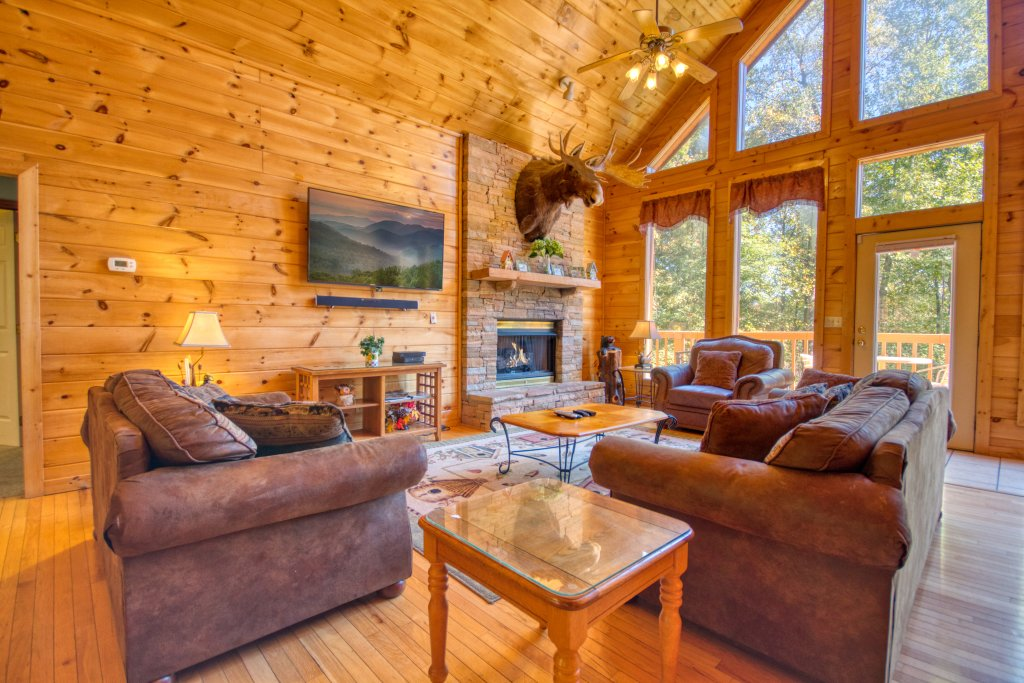 Photo of a Gatlinburg Cabin named Life Of Luxury #12 - This is the twenty-seventh photo in the set.