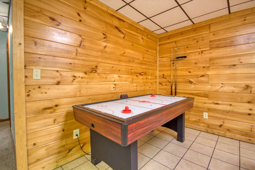 Photo of a Gatlinburg Cabin named Life Of Luxury #12 - This is the twenty-second photo in the set.