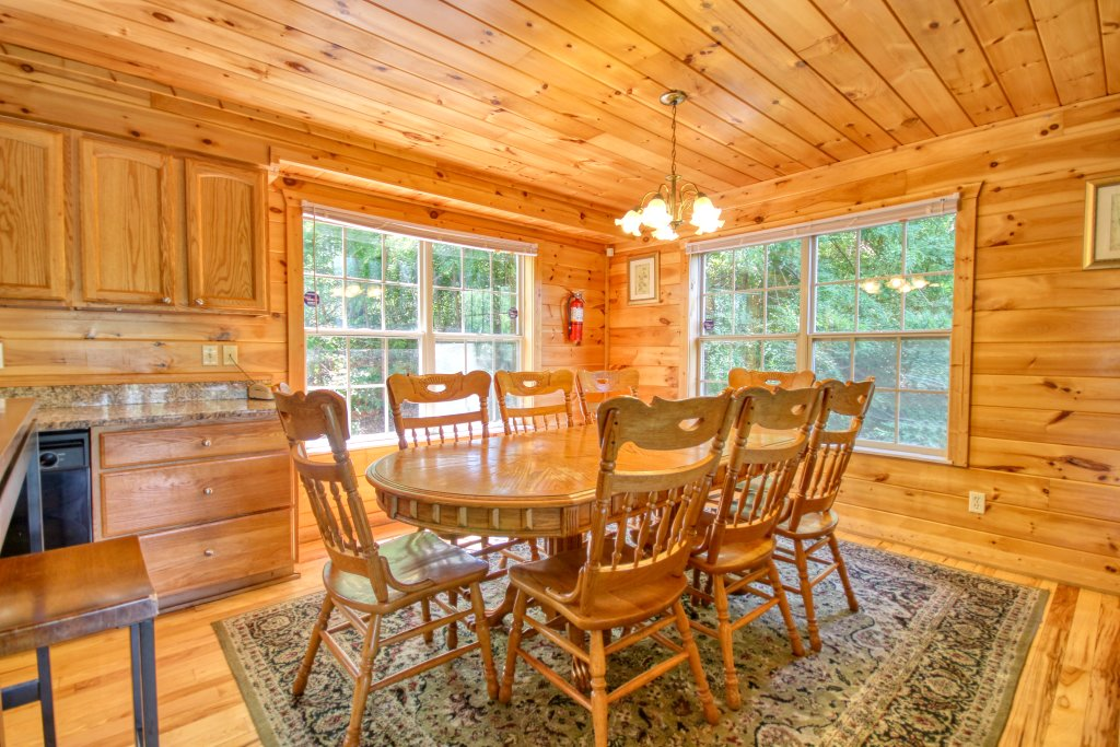 Photo of a Gatlinburg Cabin named Love & Laughs #11 - This is the twenty-second photo in the set.
