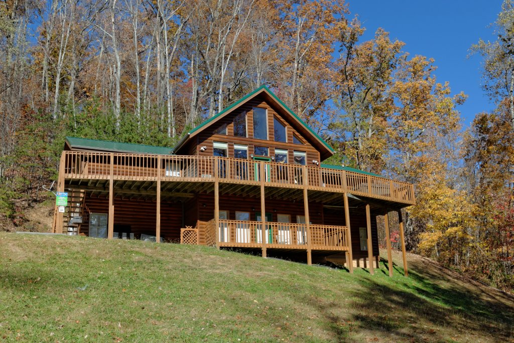Photo of a Gatlinburg Cabin named Life Of Luxury #12 - This is the fifty-fifth photo in the set.