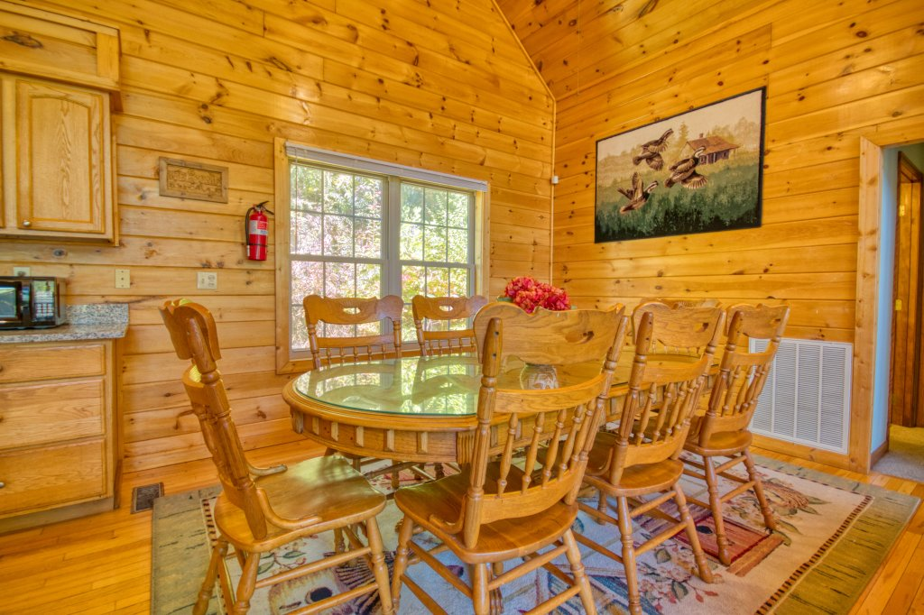 Photo of a Gatlinburg Cabin named Life Of Luxury #12 - This is the twenty-first photo in the set.