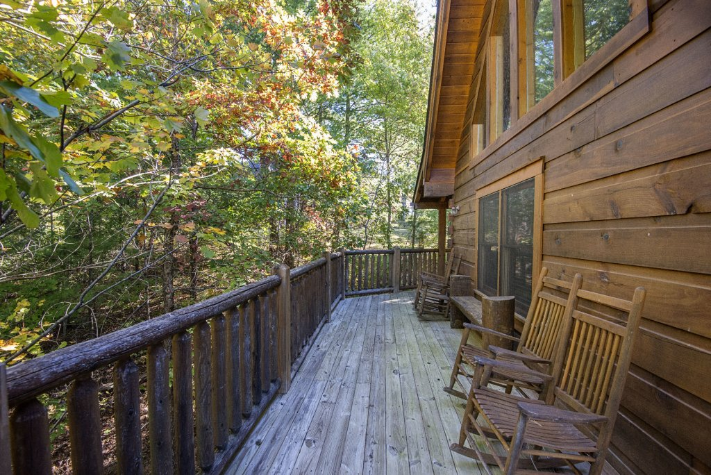 Photo of a Pigeon Forge Cabin named  Black Hawk Hideaway - This is the twenty-second photo in the set.