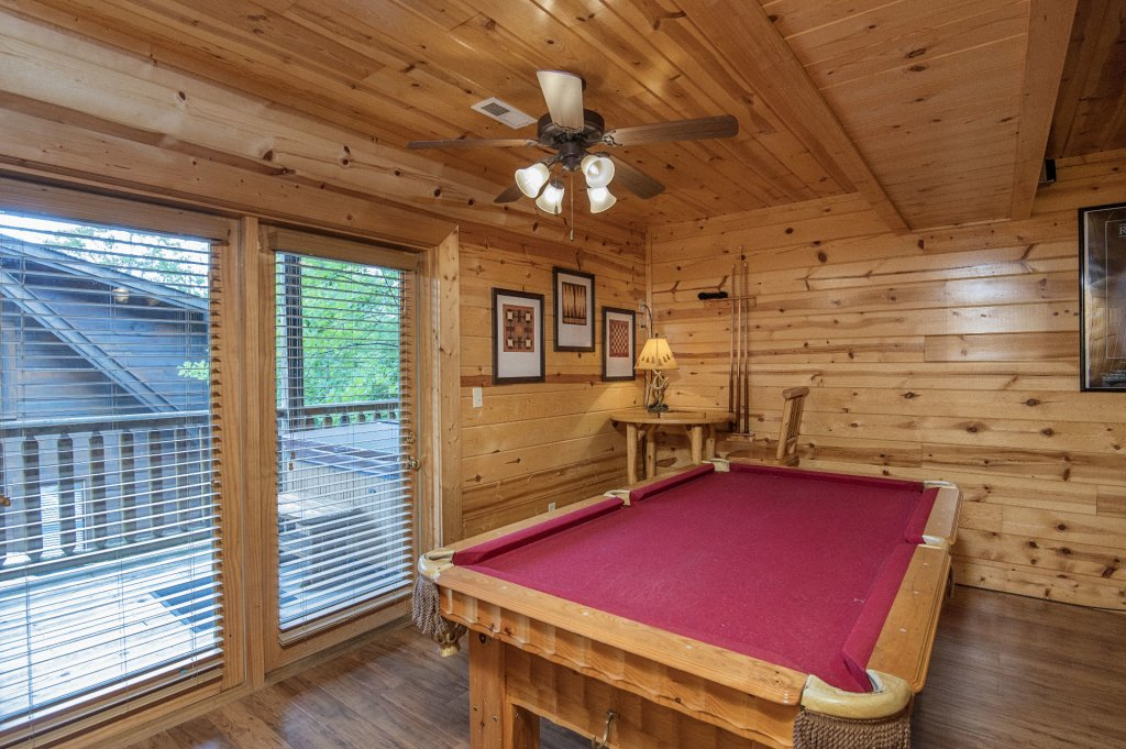 Photo of a Pigeon Forge Cabin named  Black Hawk Hideaway - This is the thirty-first photo in the set.