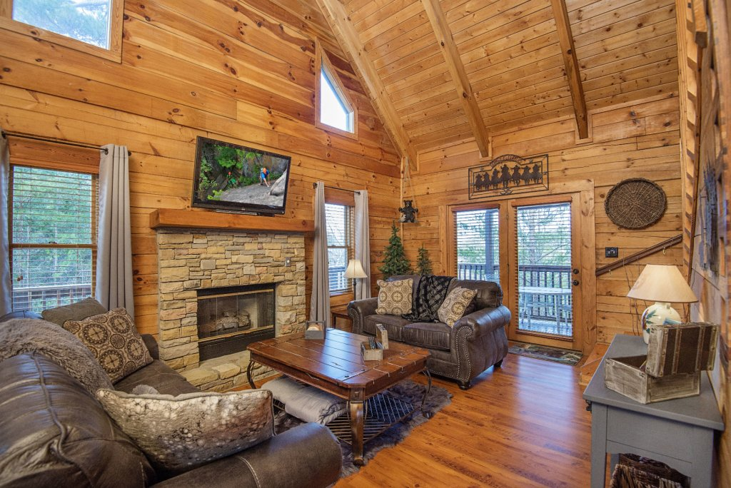 Photo of a Pigeon Forge Cabin named  Knotty Pine - This is the second photo in the set.