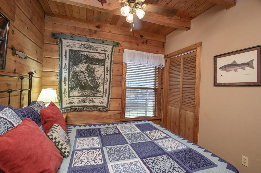 Photo of a Pigeon Forge Cabin named  Heaven's Delight - This is the eighteenth photo in the set.