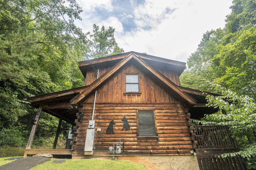 Photo of a Pigeon Forge Cabin named Mystic Mountain - This is the twenty-sixth photo in the set.