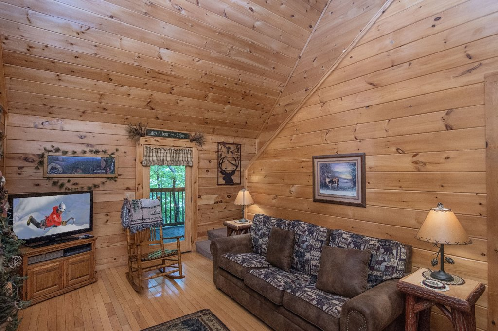 Photo of a Pigeon Forge Cabin named Mystic Mountain - This is the fifth photo in the set.