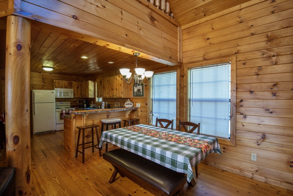 Photo of a Sevierville Cabin named Dunder Mountain Views Cabin Retreat - This is the ninth photo in the set.