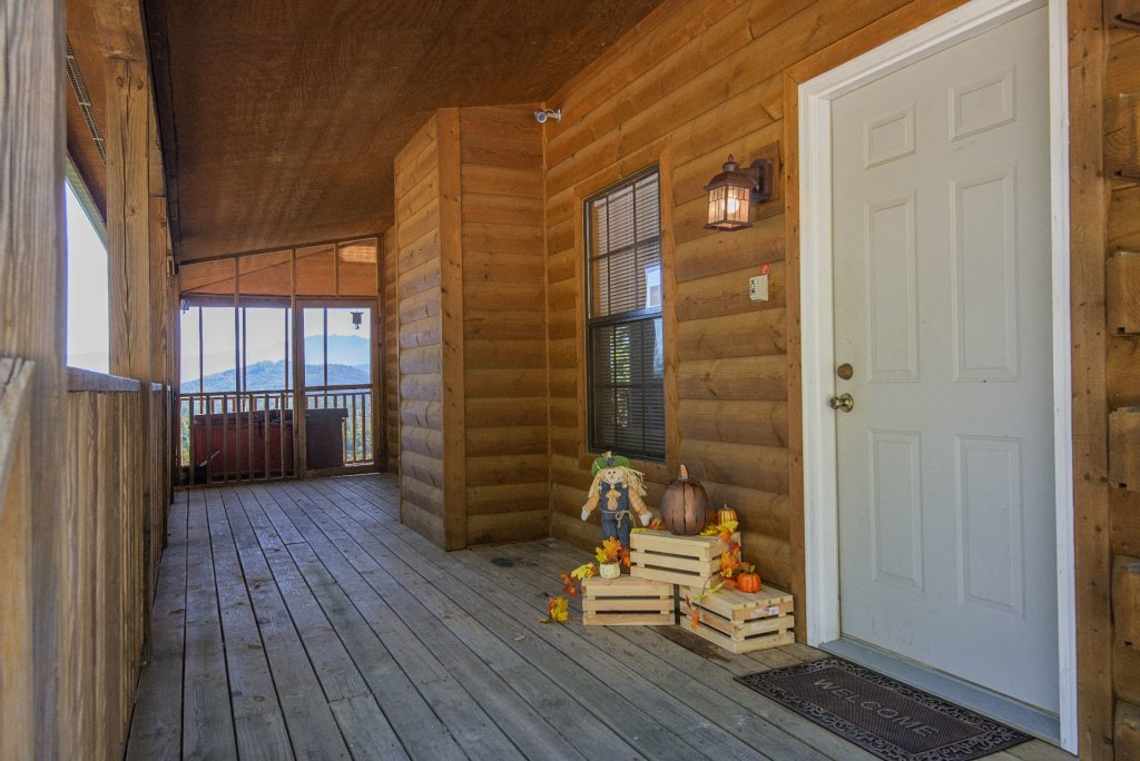 Photo of a Sevierville Cabin named Dunder Mountain Views Cabin Retreat - This is the forty-sixth photo in the set.