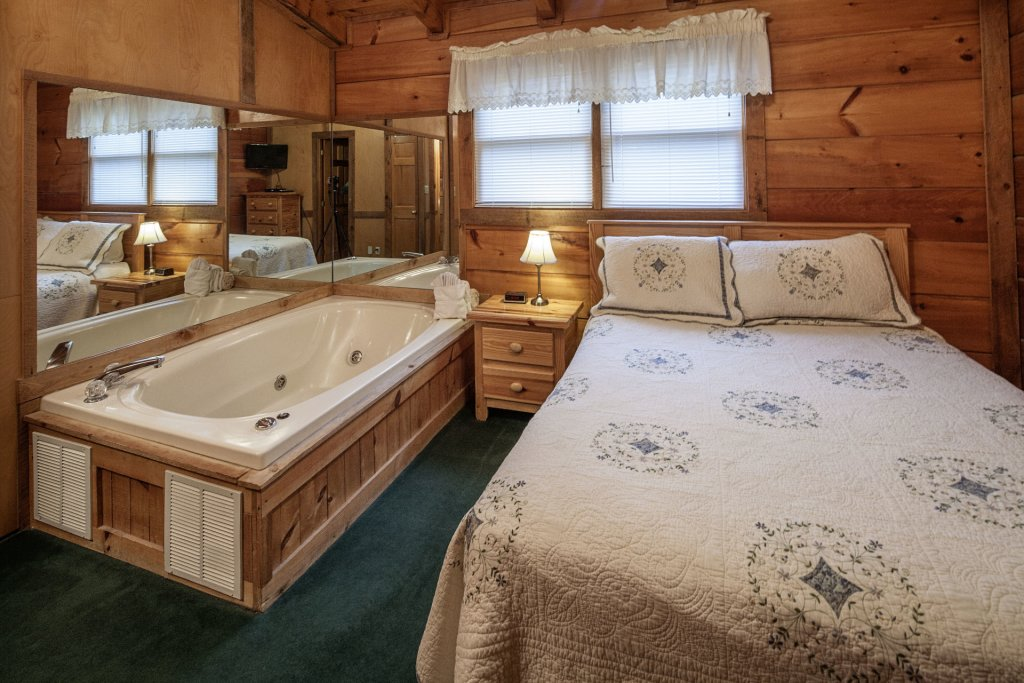 Photo of a Pigeon Forge Cabin named  The View - This is the twentieth photo in the set.