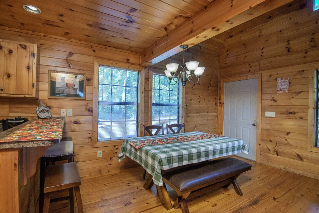 Photo of a Sevierville Cabin named Dunder Mountain Views Cabin Retreat - This is the eleventh photo in the set.
