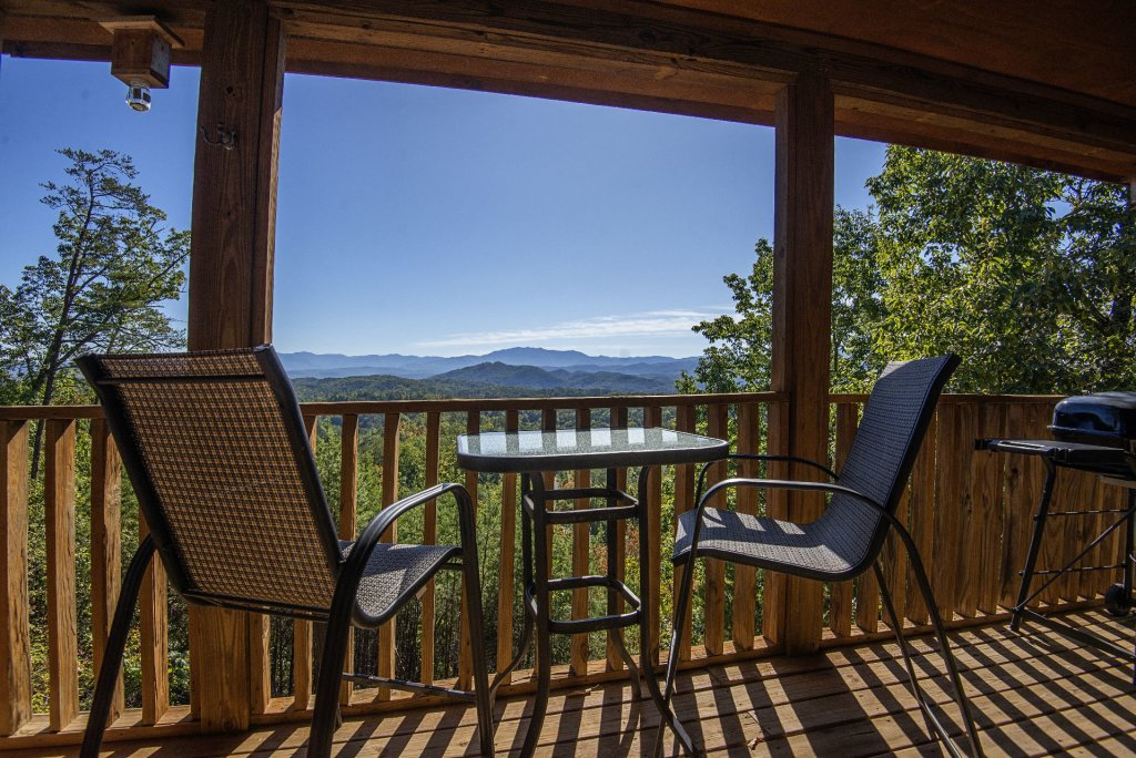 Photo of a Sevierville Cabin named Dunder Mountain Views Cabin Retreat - This is the eighteenth photo in the set.