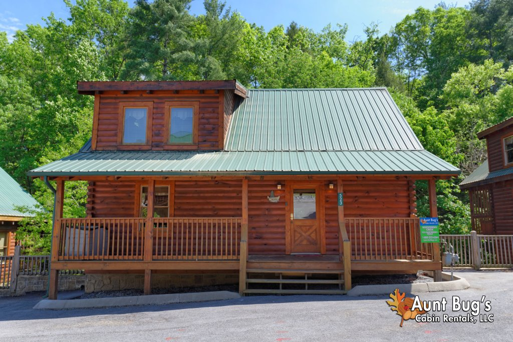 Photo of a Pigeon Forge Cabin named Whispering Creek #302 - This is the twelfth photo in the set.