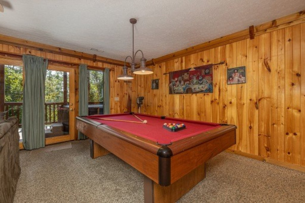 Photo of a Gatlinburg Cabin named Private Indulgences - This is the fourteenth photo in the set.