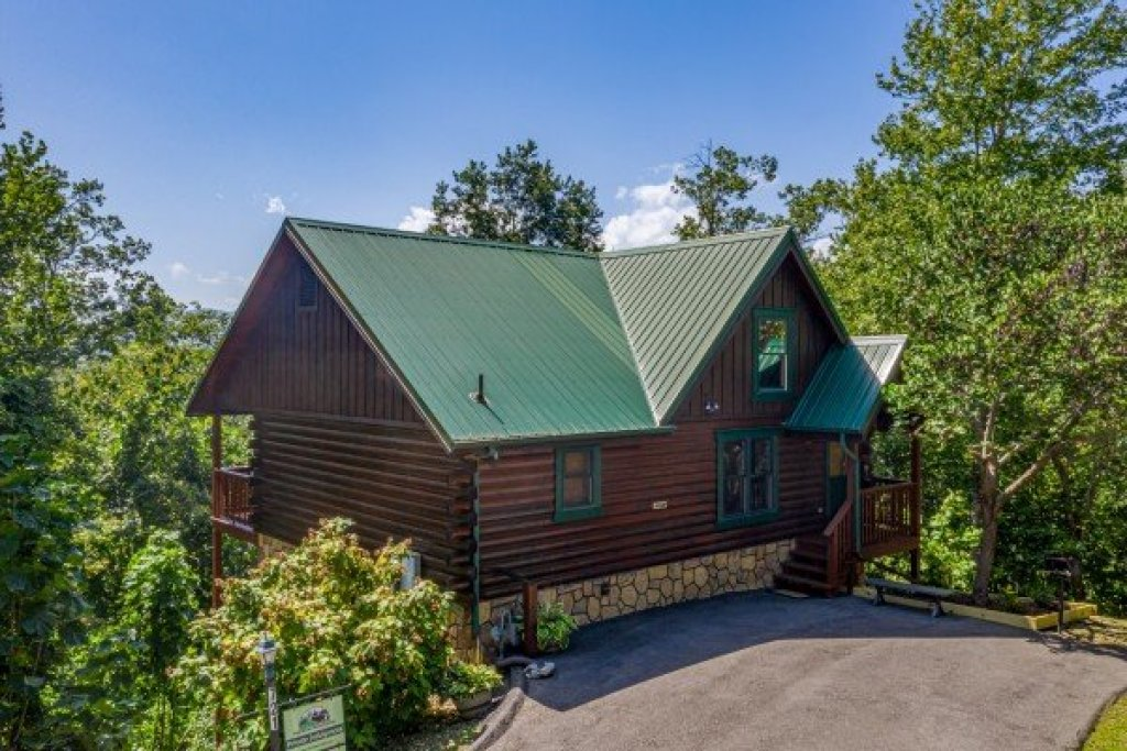 Photo of a Gatlinburg Cabin named Private Indulgences - This is the twenty-second photo in the set.