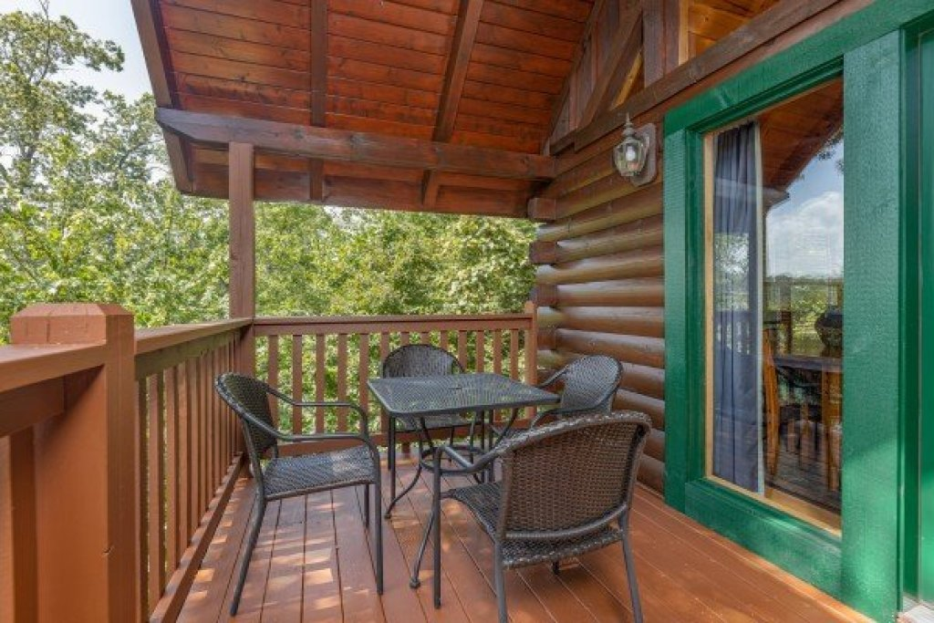 Photo of a Gatlinburg Cabin named Private Indulgences - This is the tenth photo in the set.