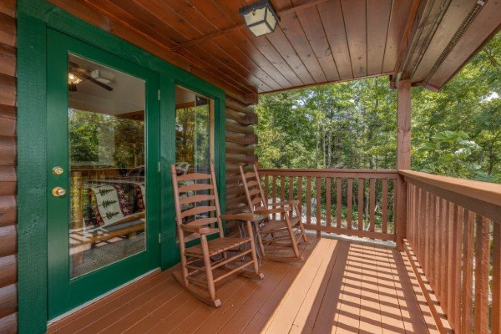 Photo of a Gatlinburg Cabin named Private Indulgences - This is the eleventh photo in the set.