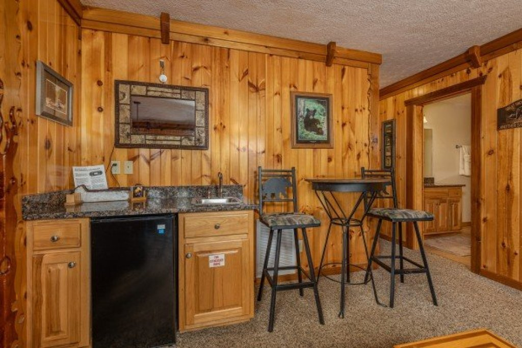 Photo of a Gatlinburg Cabin named Private Indulgences - This is the fifteenth photo in the set.