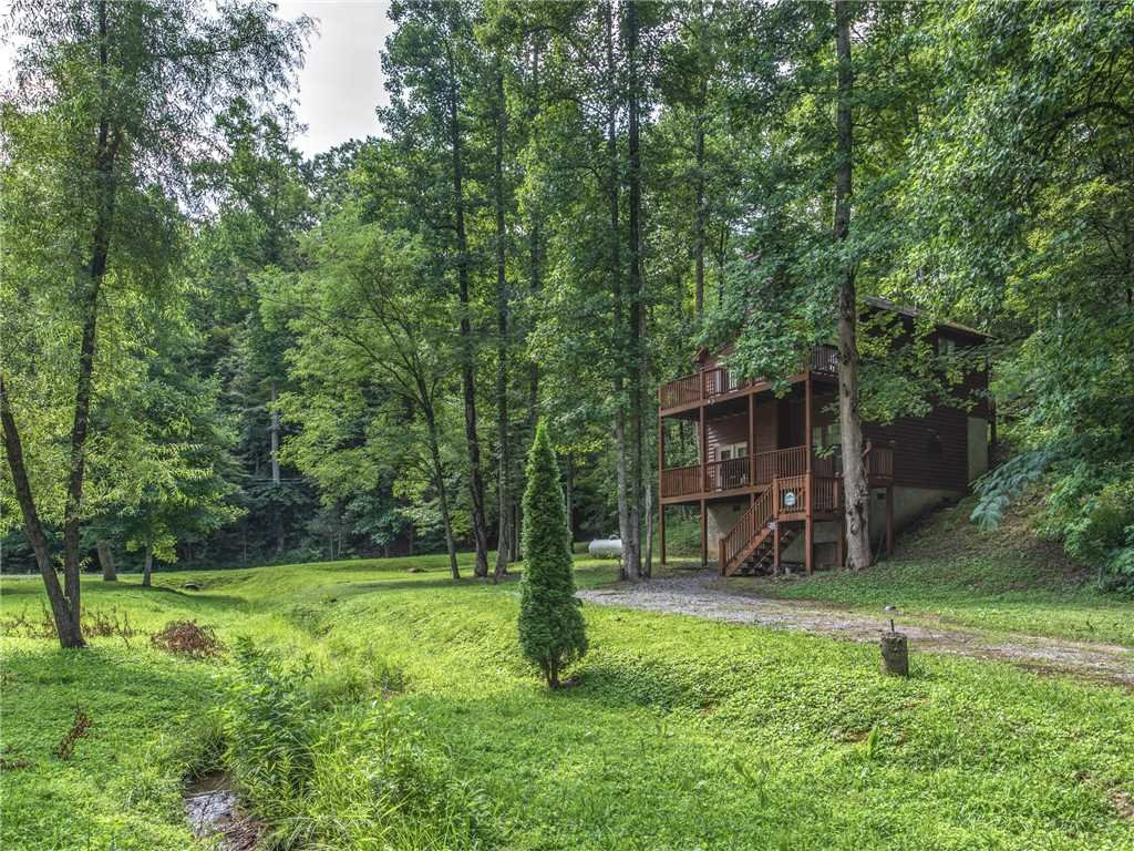 Photo of a Gatlinburg Cabin named Simpler Times - This is the sixteenth photo in the set.