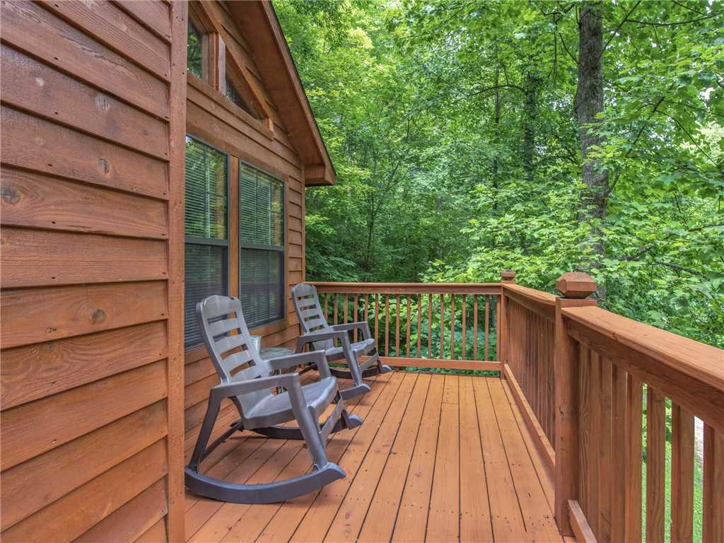 Photo of a Gatlinburg Cabin named Simpler Times - This is the seventeenth photo in the set.
