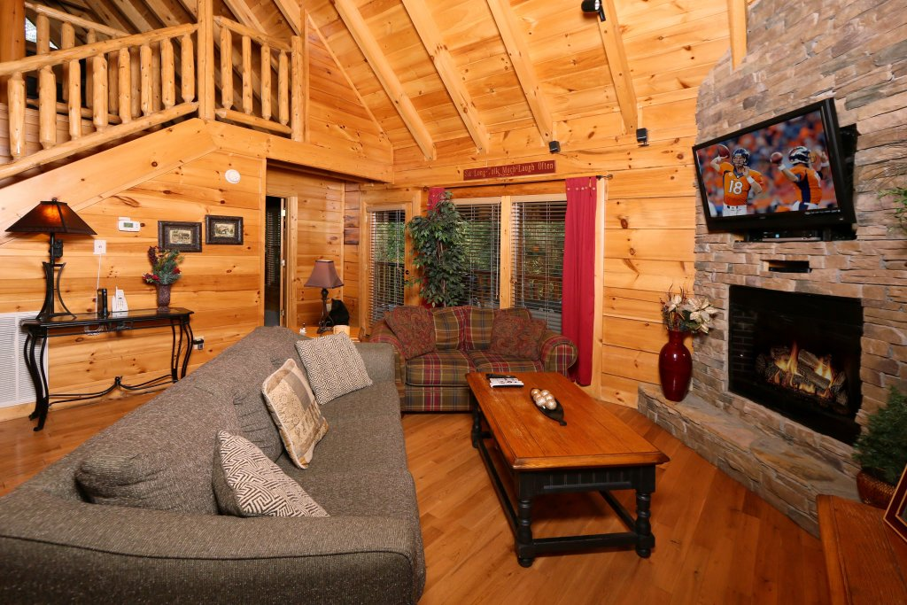 Photo of a Sevierville Cabin named Little Chateau - This is the fourth photo in the set.