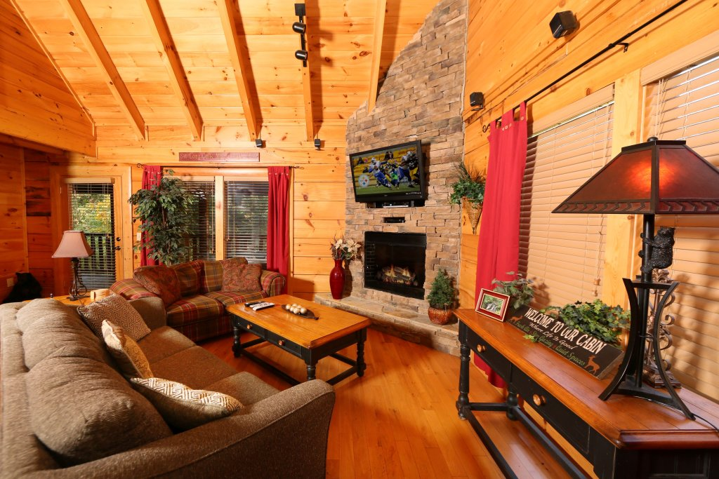 Photo of a Sevierville Cabin named Little Chateau - This is the third photo in the set.