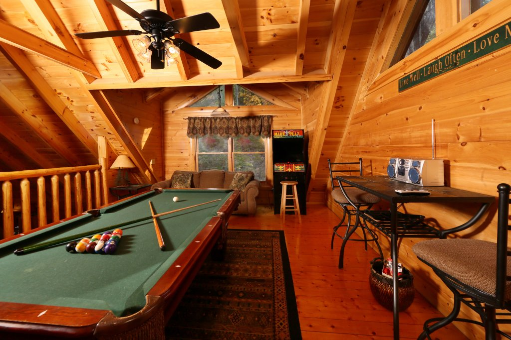 Photo of a Sevierville Cabin named Little Chateau - This is the ninth photo in the set.