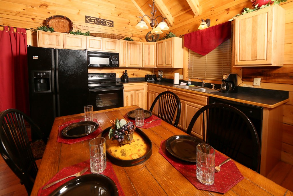 Photo of a Sevierville Cabin named Little Chateau - This is the twelfth photo in the set.