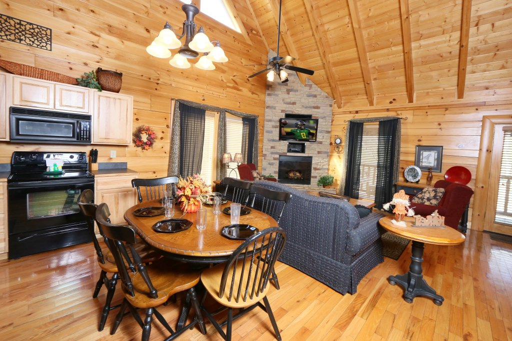 Photo of a Sevierville Cabin named Wild Adventures - This is the seventh photo in the set.