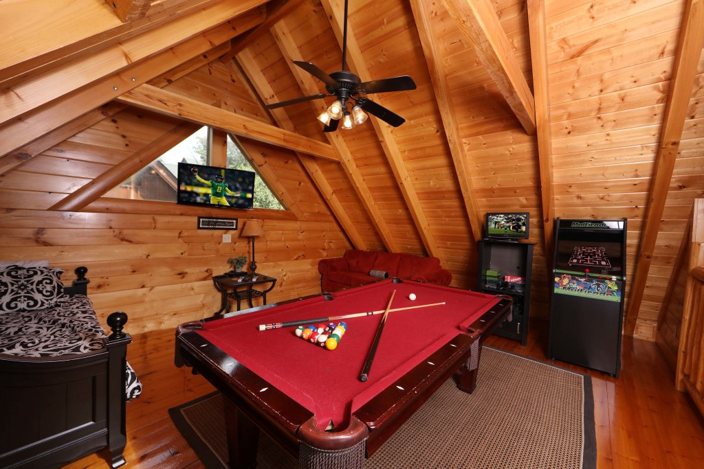 Photo of a Sevierville Cabin named Wild Adventures - This is the twelfth photo in the set.