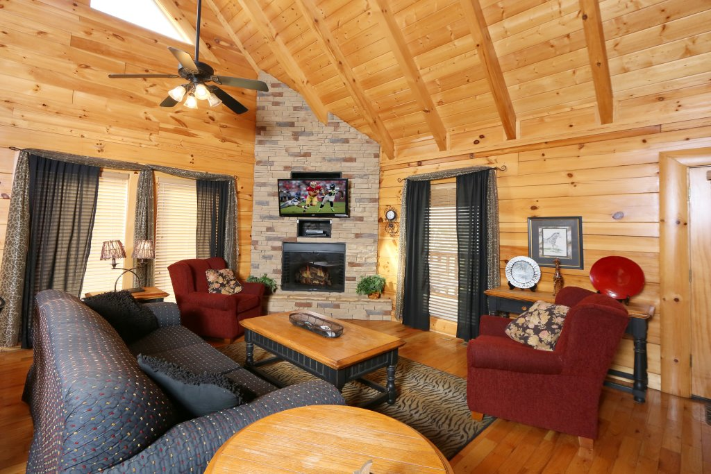 Photo of a Sevierville Cabin named Wild Adventures - This is the sixth photo in the set.