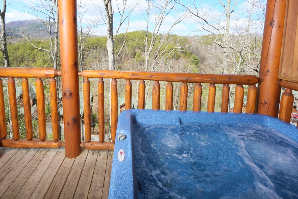 Photo of a Sevierville Cabin named Wild Adventures - This is the second photo in the set.
