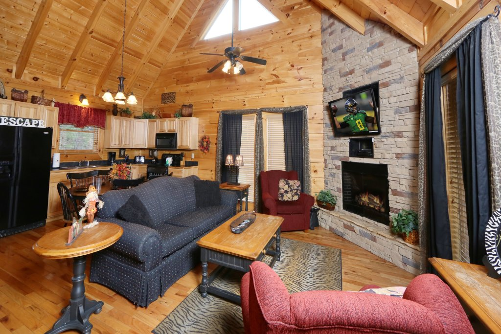 Photo of a Sevierville Cabin named Wild Adventures - This is the fifth photo in the set.