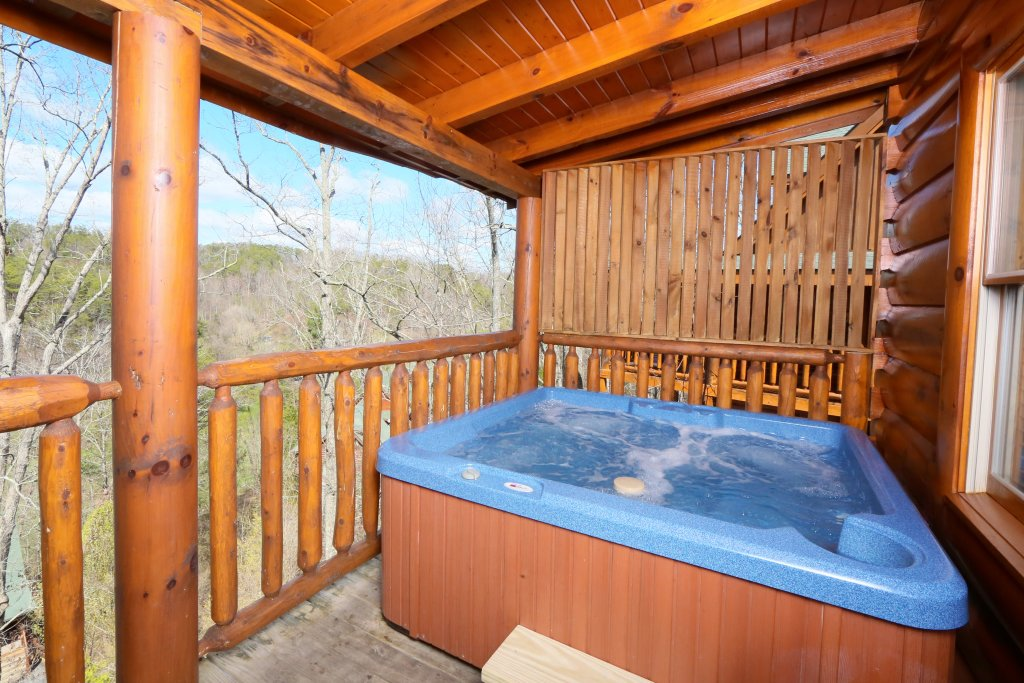 Photo of a Sevierville Cabin named Wild Adventures - This is the twenty-first photo in the set.