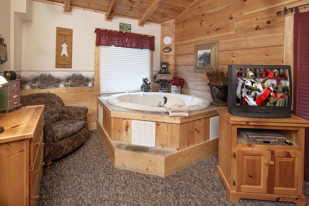 Photo of a Pigeon Forge Cabin named  Almost Heaven - This is the seventh photo in the set.