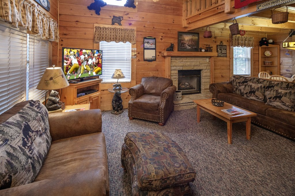Photo of a Pigeon Forge Cabin named  Almost Heaven - This is the third photo in the set.