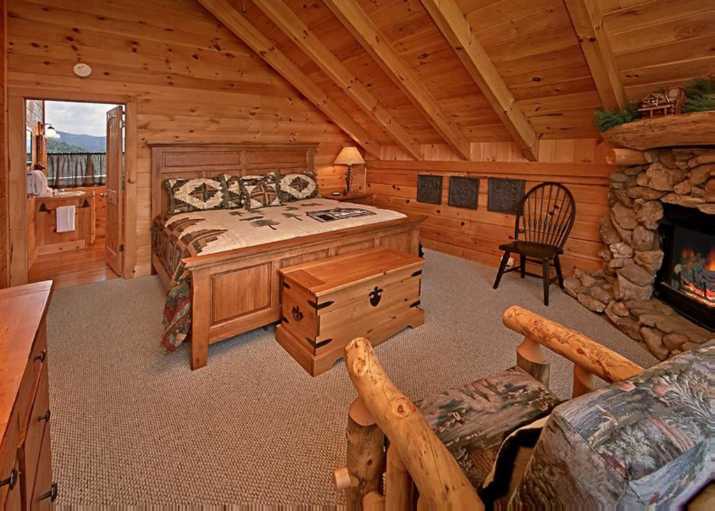 Photo of a Sevierville Cabin named Above It All #38 - This is the seventy-third photo in the set.