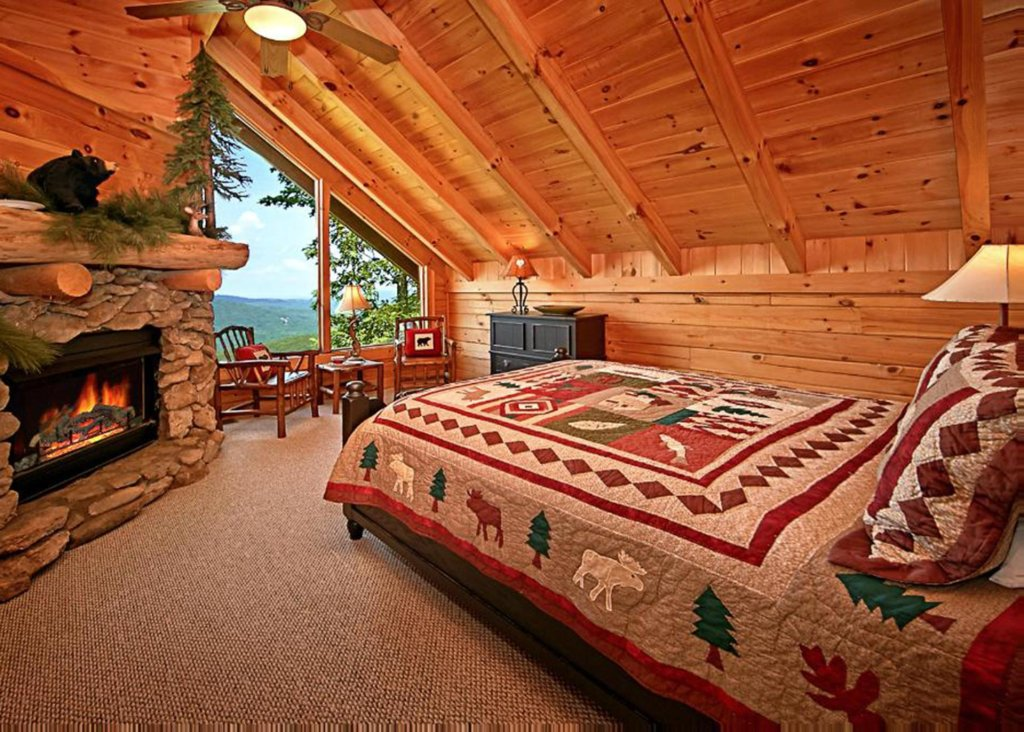 Photo of a Sevierville Cabin named Above It All #38 - This is the fifty-first photo in the set.
