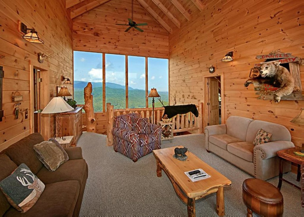 Photo of a Sevierville Cabin named Above It All #38 - This is the forty-seventh photo in the set.