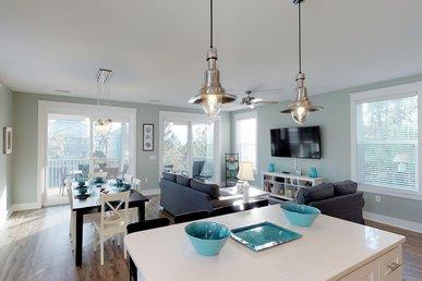 Lush Beach home with Gulf Views and easy beach access