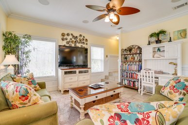 Cheerful, pet-friendly home with private pool and beautiful Gulf View