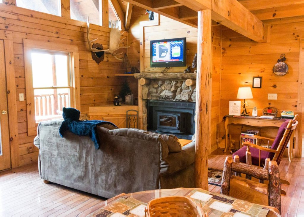 Photo of a Sevierville Cabin named Heaven's View 20 - This is the fourth photo in the set.