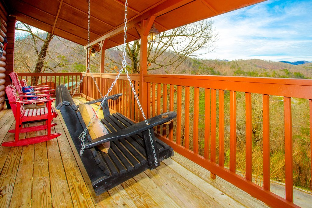 Photo of a Sevierville Cabin named Serendipity - This is the fifth photo in the set.
