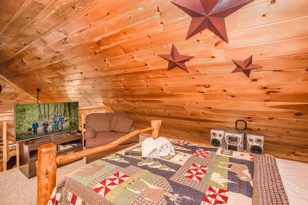 Photo of a Sevierville Cabin named Serendipity - This is the eighteenth photo in the set.