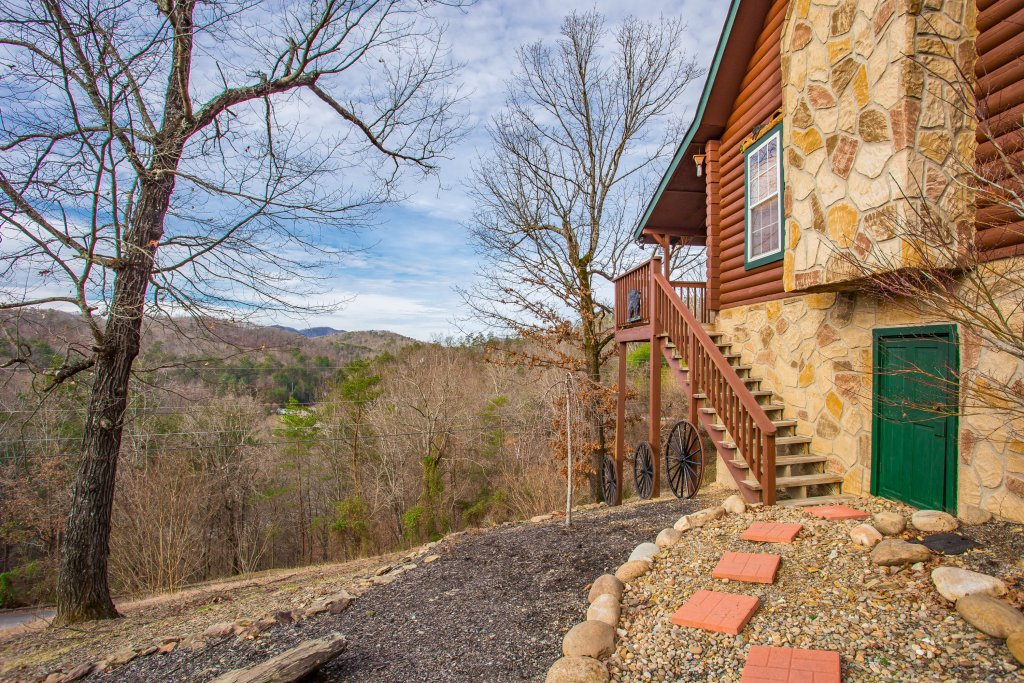Photo of a Sevierville Cabin named Serendipity - This is the twenty-first photo in the set.