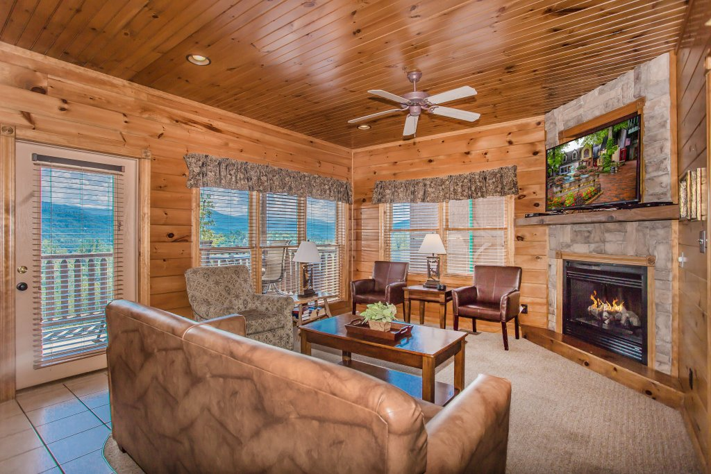Photo of a Gatlinburg Cabin named Million Dollar View - This is the sixteenth photo in the set.