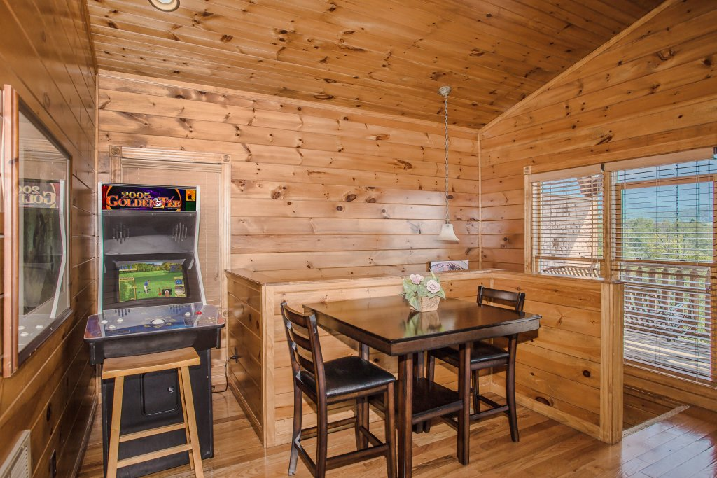 Photo of a Gatlinburg Cabin named Million Dollar View - This is the fifth photo in the set.