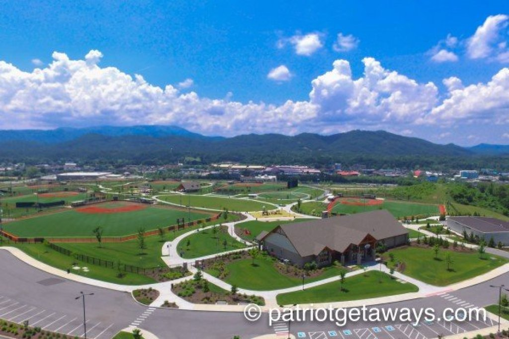 Photo of a Pigeon Forge Cabin named Autumn Blaze - This is the twenty-first photo in the set.